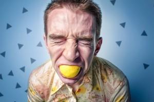 口臭の原因がストレス?メンタルを改善することが爽やかな息の第一歩